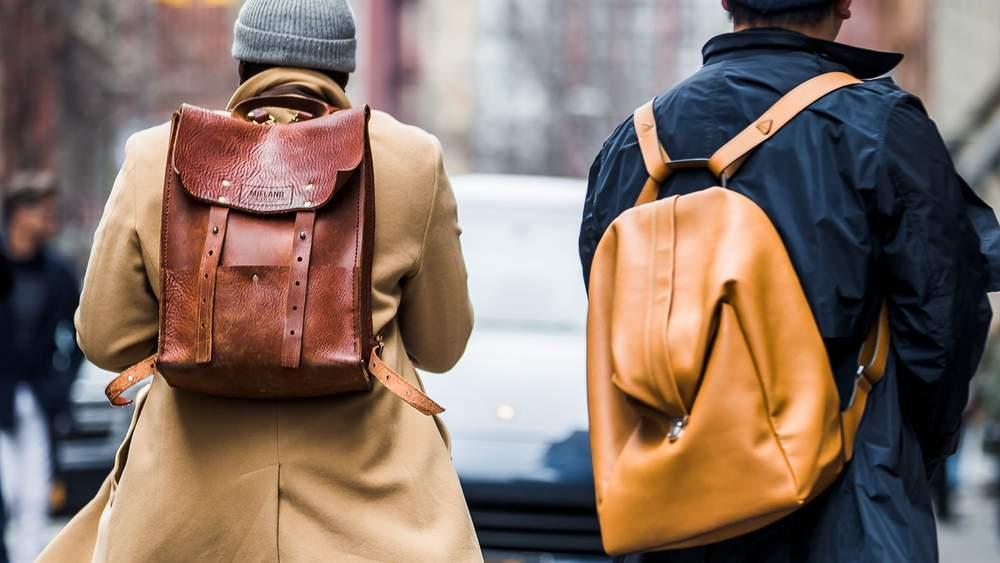 как носить рюкзак